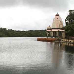 grand bassin sacred lake