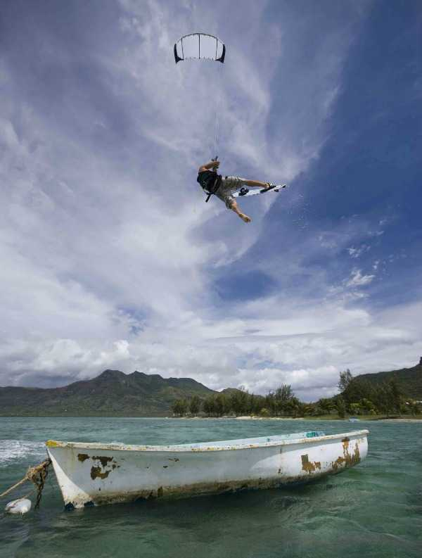 Kiteboarding in the South of Mauritius