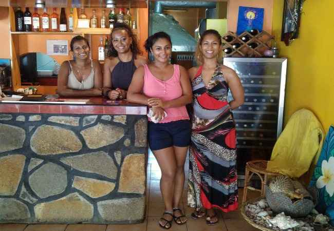 Chez Rosy Mauritius restaurant waitresses