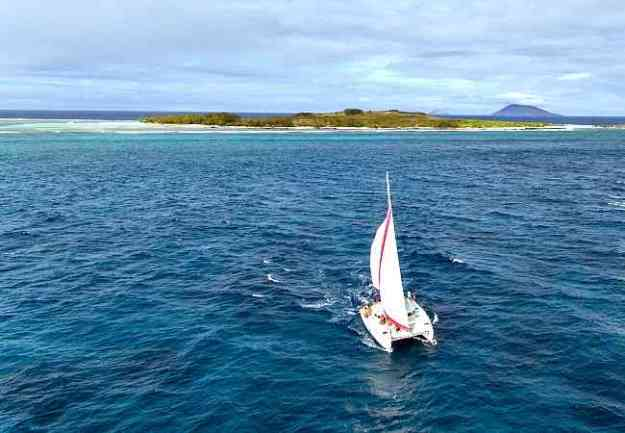 Sailing from ilot Gabriel to Mauritius