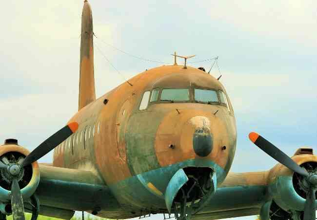 Douglas DC 4 plane