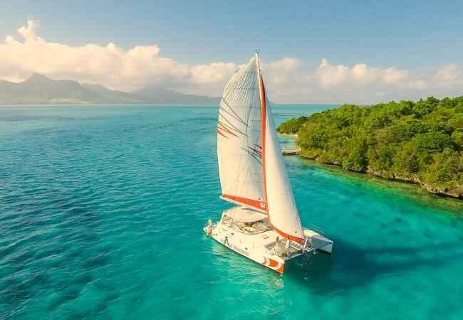 Catamaran cruise in Mauritius