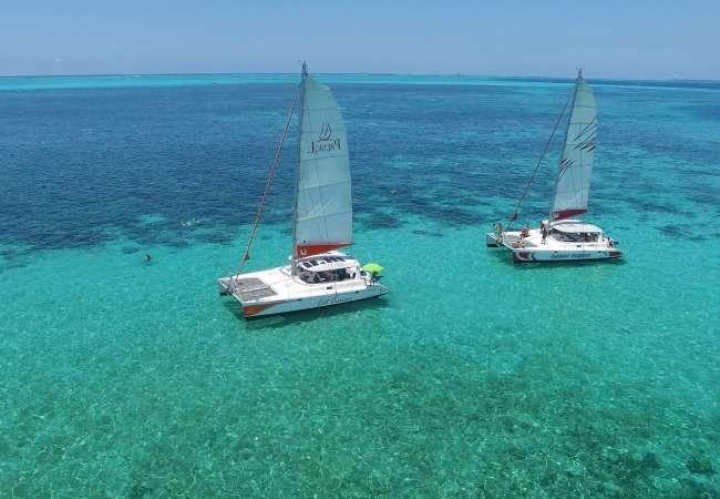 Lagoon sailing in Mauritius in a catamaran