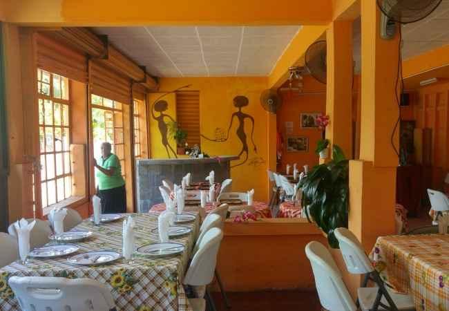 inside le Palais de Barbizon restaurant