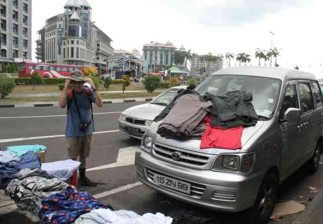 Street vendor in Port Louis
