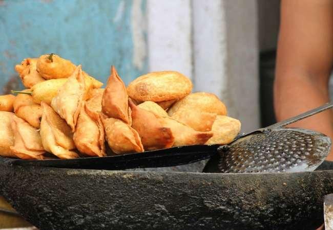 Samosas street food